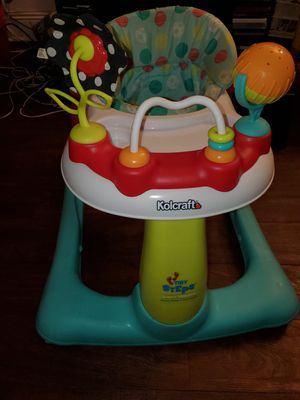 Kolcraft Tiny Steps 2-In-1 Walker for Sale in Queens, NY