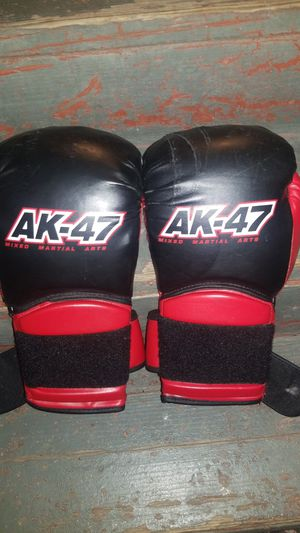 Boxing gloves for Sale in Manteca, CA