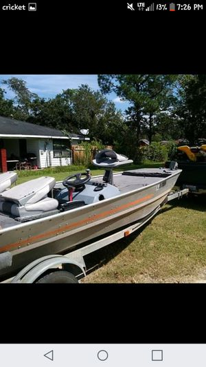 Boat motor and trailer in good condition for Sale in Lake Charles, LA