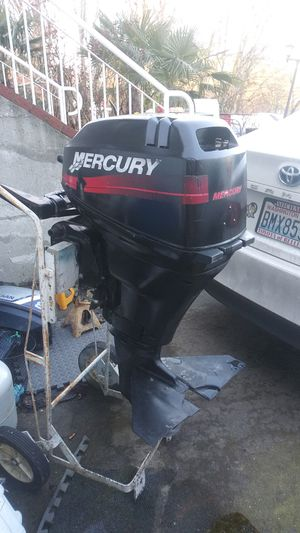 9.9 4 stroke big foot mercury Year 2000 $800 and 2005 mercury 4 stroke 15hp electric start and pull start $1000 and 20hp mercury $750 electric start for Sale in Seattle, WA