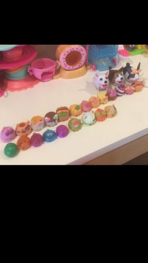 Nice Kids toys num noms, Shopkins, dog can run🙃 for Sale in Temple City, CA