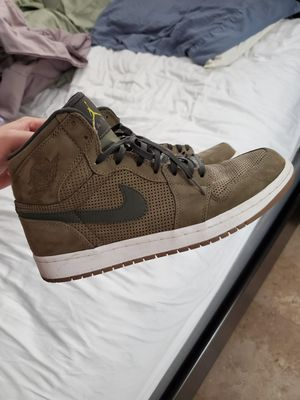 Nike retro 1 olive green mint condition size 10 for Sale in Sebring, FL