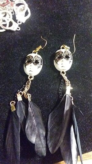 Betsey Johnson masquerade feather earrings for Sale in Fresno, CA