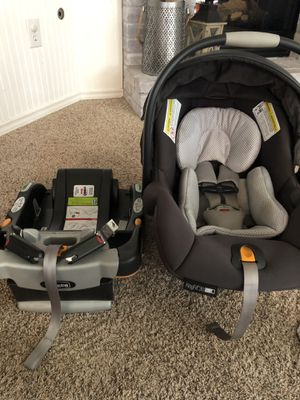 Keyfit30 zip and air car seat for Sale in Spokane, WA