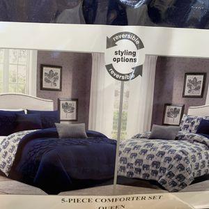 REVERSIBLE 5pc QUEEN Comforter Set for Sale in Ontario, CA