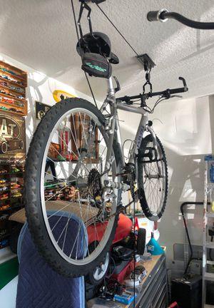 Universal aluminum bike for Sale in Ruskin, FL