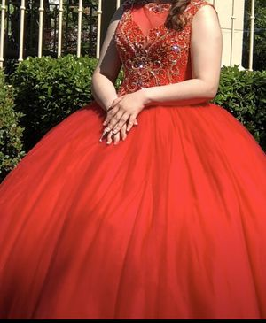 Quince Party Ballroom Dress- size 10-12 for Sale in Mesquite, TX