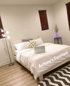 Full size bed & mattress for Sale in Lynwood, CA