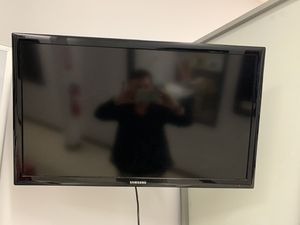 "SAMSUNG 32"" D4003 series - LED - LCD HDTV for Sale in Norco, CA"