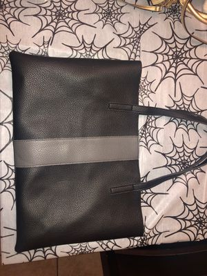 Vince Camuto Vegan Leather tote bag for Sale in Henderson, NV
