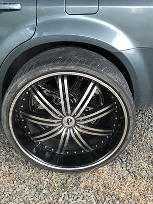 """24"""" rims and tires. 3 tires good one flat. 5 lug 115 for Sale in Medford, OR"""