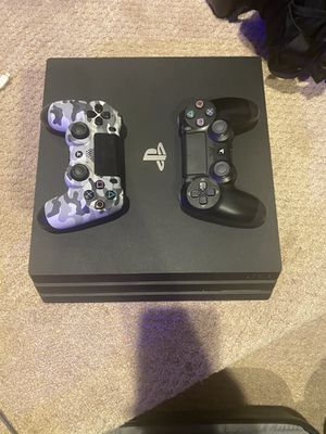 Ps4 Pro 4k gaming with 2 controllers for Sale in Clinton, MD
