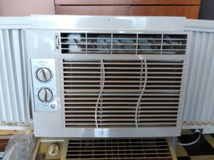 110 window unit AC below cool for Sale in Grand Prairie, TX