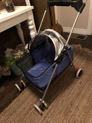 Brand new pet stroller, mesh zipper to keep in. Max weight 25 lb -30lb for Sale in San Jose, CA