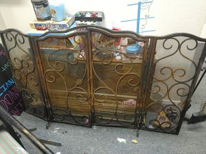 Amazing rusted fire screen. Lovely patina for Sale in Tacoma, WA