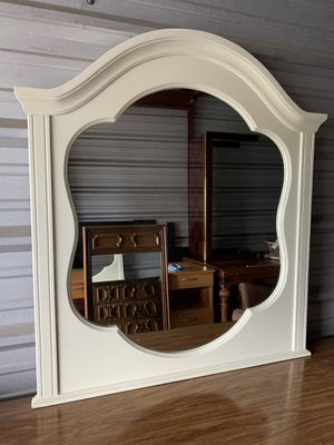 White wooden Mirror Dresser for girls for Sale in Winter Garden, FL