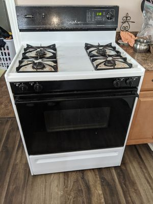 Frigidaire Gas stove for Sale in Chicago, IL