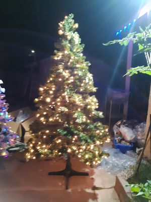 Chrismas tree for Sale in HILLTOP MALL, CA
