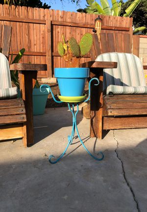 Small Turquoise Wrought Iron Plant Holder Stand Pot Planter($45.00 con todo y NOPAL/CACTUS for Sale in Los Angeles, CA