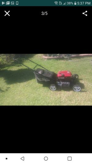 Lawnmower craftsman self propelled starts on the first pull in excellent conditions .. for Sale in Bell Gardens, CA