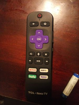 TCL voice remote control roku Tv 55 inch with light in the back of remote control for Sale in Indianapolis, IN