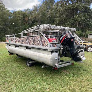 Pontoon Boat 18ft Center Console for Sale in Umatilla, FL