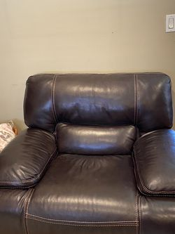 Love Seat And Oversize Chair LIVING SPACES for Sale in San Lorenzo,  CA