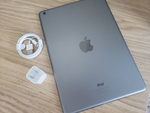 iPad Air SIM With Excellent Condition for Sale in Springfield, VA