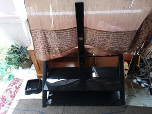 Flat screen TV stand for Sale in Columbus, OH