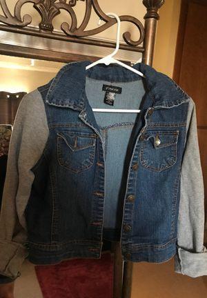 Adult /Juniors denim jacket w detachable hoodie for Sale in Baldwin Park, CA