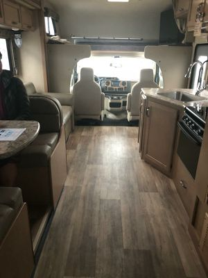 2019 Ford Thor FourWinds 28 feet Motorhome for Sale in Vista, CA