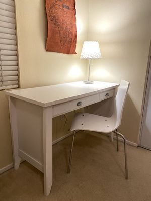 White Desk, Chair, & Lamp for Sale in Etiwanda, CA