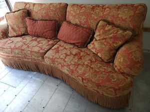 Large Fancy Couch for Sale in NJ, US