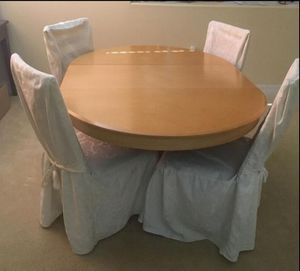 Kitchen nook table and chairs for Sale in Orlando, FL