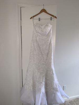Galina SIGNATURE Wedding Dress size 8 for Sale in SIENNA PLANT, TX