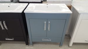 """30"""" Vanity ( With Top , Back Splash , And Mirror ) for Sale in Orlando, FL"""