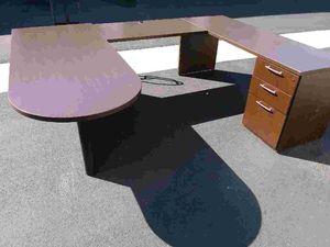 Mahogany U Shaped Peninsula Desk!!! Great Deal!!! for Sale in Fontana, CA