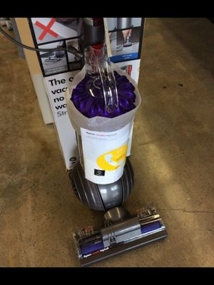 DYSON CINETIC BIG BALL ANIMAL ALLERGY BAGLESS UPRIGHT VACUUM for Sale in Joint Base Lewis-McChord, WA