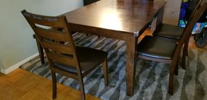 Raymour and Flanigan Kona 6 piece dining set for Sale in New York, NY