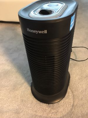 Honeywell True HEPA compact air purifier HPA061 for Sale in Herndon, VA