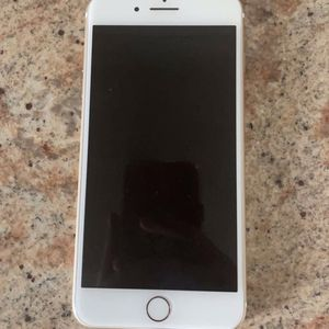 iPhone 7+ Gold 32gb for Sale in Phoenix, AZ