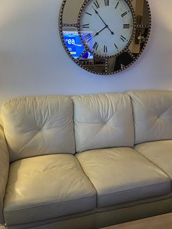 White Leather Couch for Sale in Tampa,  FL