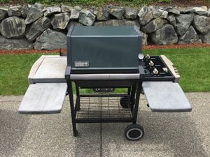 Weber Genesis Silver BBQ grill with cover for Sale in Auburn, WA