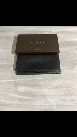 Gucci wallet authentic-porch pick up only for Sale in Kirkland, WA