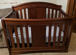 Simmons Crib and Changing Station for Sale in Maplewood, MN