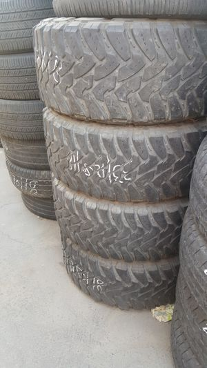 USED TOYO TIRES 33/12.50 /18 for Sale in Fresno, CA