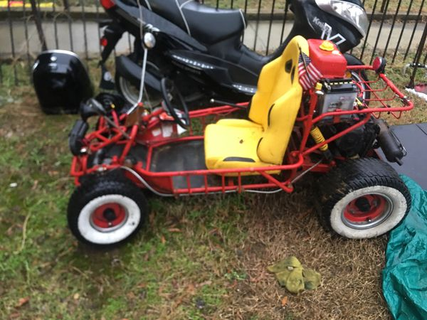 Go cart 110 motor on it with reverse all the go cart needs is battery it's fast