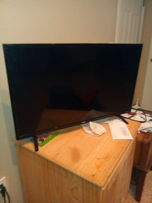 TCL Roku Smart TV for Sale in Aurora, OR
