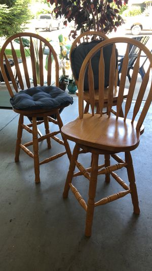 Wooden kitchen counter stools for Sale in Fresno, CA