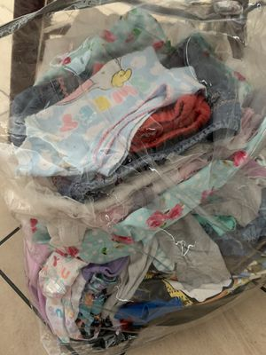 FREE 2T - 4T girls clothes for Sale in Fort Lauderdale, FL